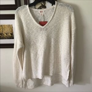 Sweaters - NEW IVORY KNIT SWEATER